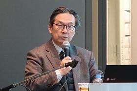 講演をする吉田先生